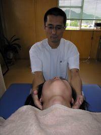 頚椎調整の施術@津山整体・鍼灸・マッサージ